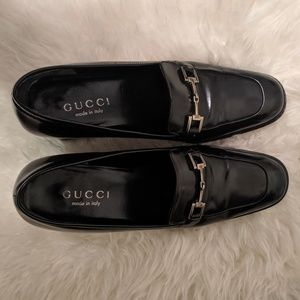 AUTHENTIC GUCCI LOAFERS in black parent leather